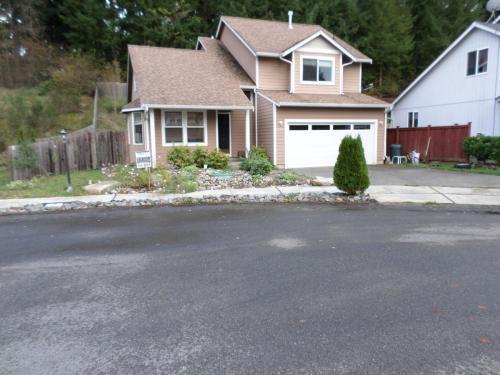 7031 46th Lane SE Photo 1