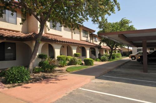 801 N Granada Drive Photo 1