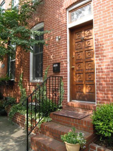 1282 Riverside Avenue Photo 1