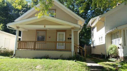721 16th Street SE Photo 1