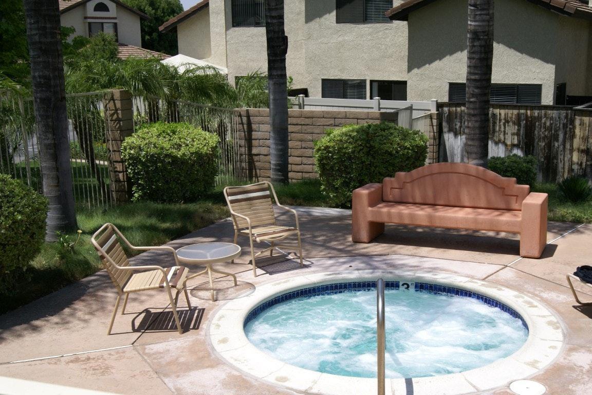 5050 Canyon Crest Drive Apt 17, Riverside, CA 92507 | HotPads