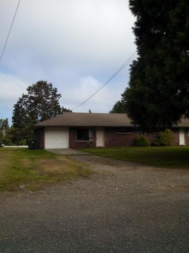 9611 N Lake Drive SW #B Photo 1