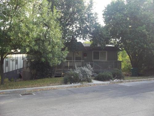 330 Albany Street Photo 1