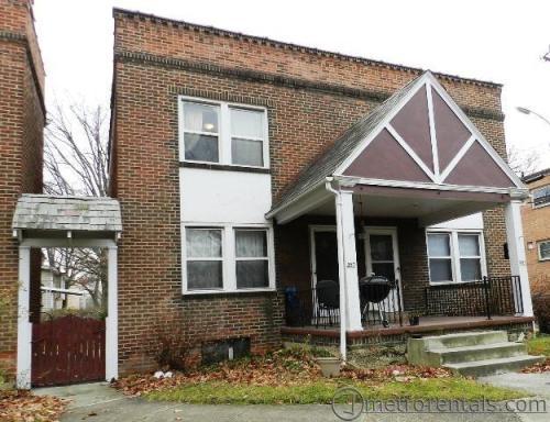 385 E Arcadia Avenue Photo 1