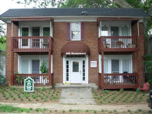 996 Greenwood Avenue NE Photo 1