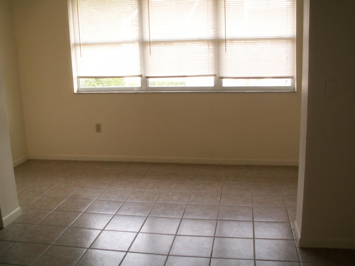 apartment unit 22 at 1103 cypress gardens boulevard winter haven
