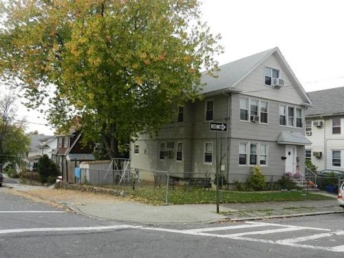 194 Fiske Avenue #1ST FLOOR Photo 1