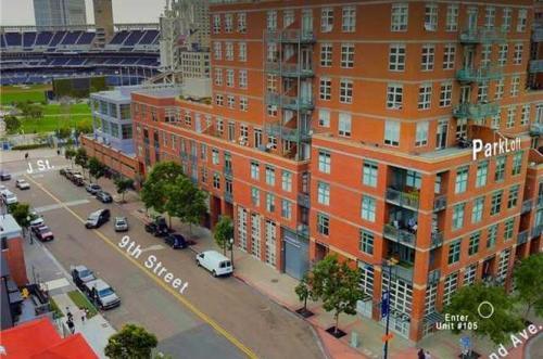 Island Avenue Photo 1