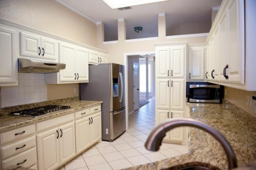 8448 Bella Vista Place NW Photo 1