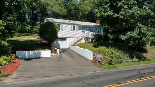 258 Vernon Avenue Photo 1