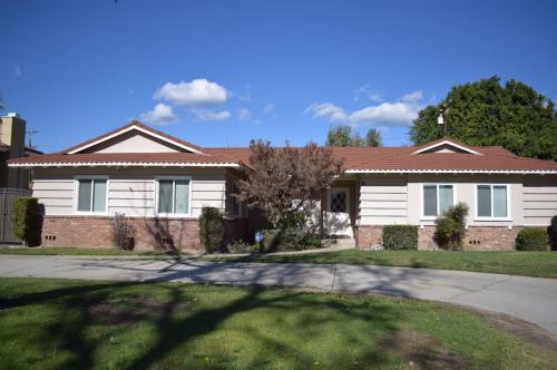 111 E Magna Vista Avenue Photo 1
