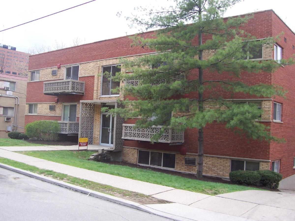 Apartment Unit 10 At 545 Lowell Avenue Cincinnati Oh 45220 Hotpads