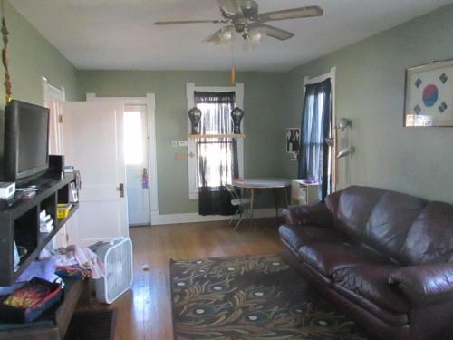 409 Bluemont Avenue Photo 1