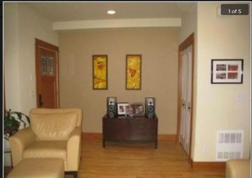 5002 39th Avenue NE #TOWN HOUSE Photo 1