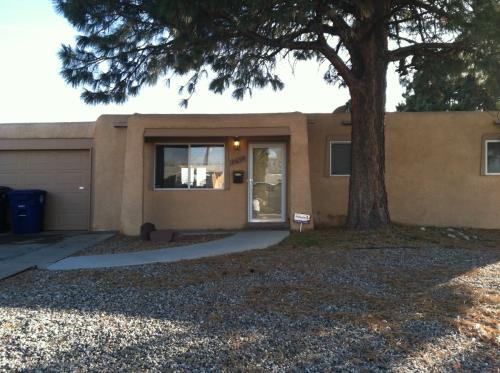 11632 Copper Avenue NE Photo 1