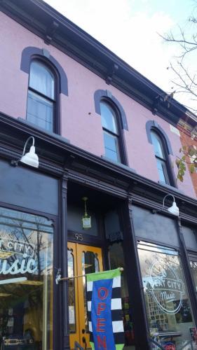 95 1/2 W Main Street Photo 1