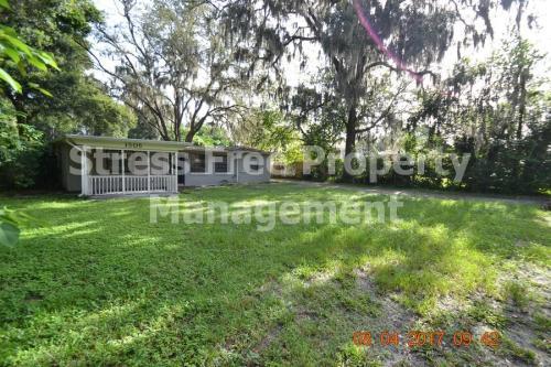 1506 E Poinsettia Avenue Photo 1