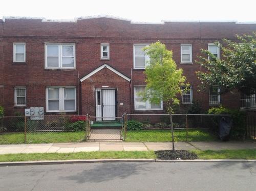 1251 Penn Street NE #4 Photo 1