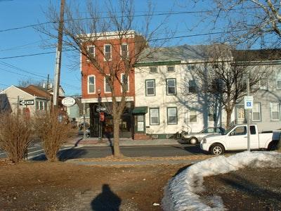 806 Lamberton Street Photo 1