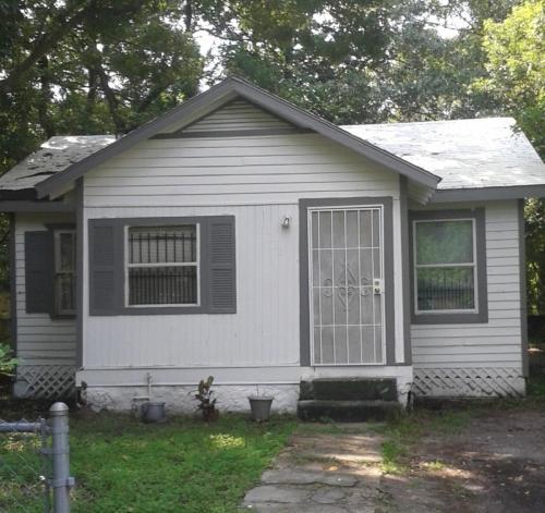 3332 Dillon Street Photo 1