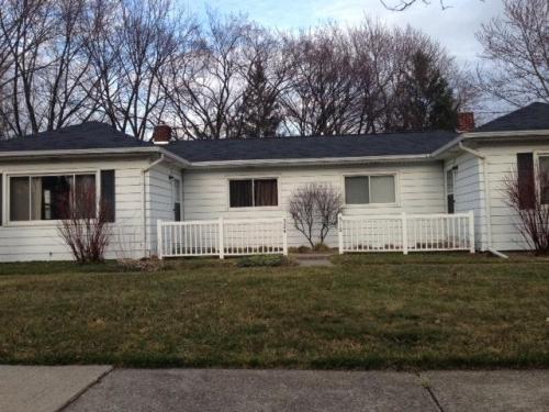 516 Wayland Avenue Photo 1