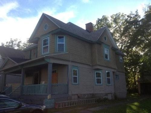 139 Kenwood Avenue #2 Photo 1