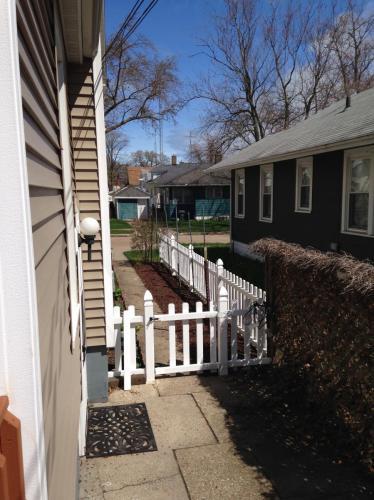 432 Howard Avenue #1 Photo 1