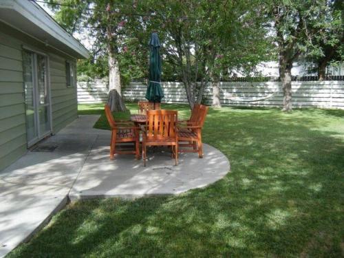 1606 Spruce Court Photo 1
