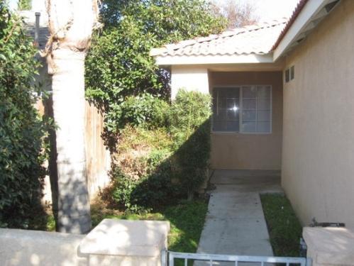 7110 Silver Spray Avenue Photo 1