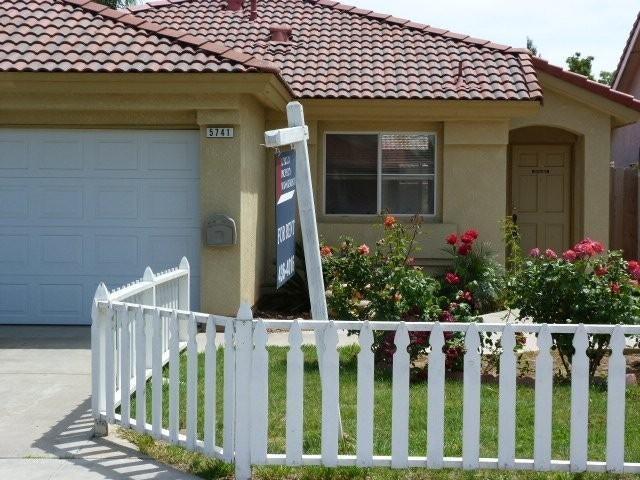 5741 W Vartikian Avenue, Fresno, CA 93722 | HotPads