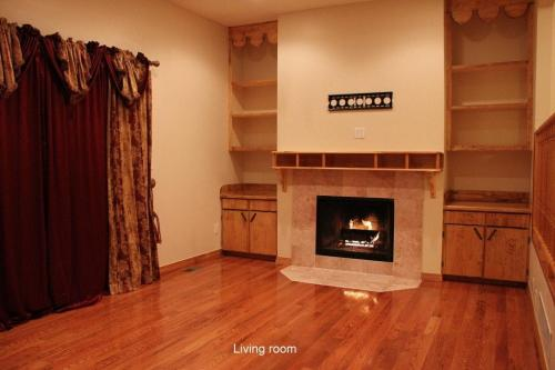 1707 Brentwood Drive Photo 1