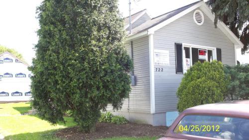 722 Orchard Street Photo 1