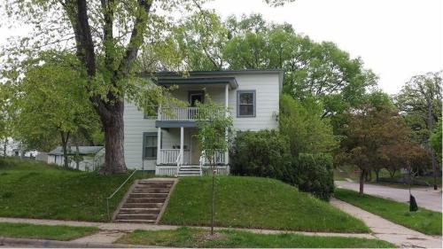 3101 Tyler Street NE Photo 1
