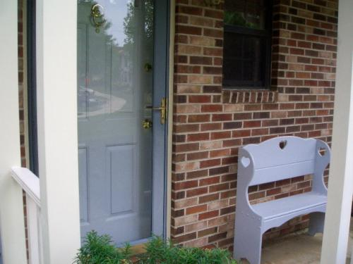Room for Rent in Beautiful Townhouse to Share, ... Photo 1