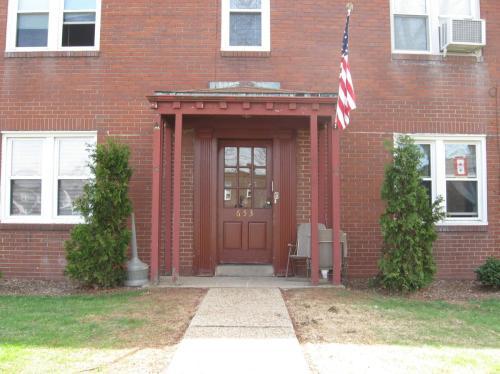 653 Southcrest Court #1 Photo 1