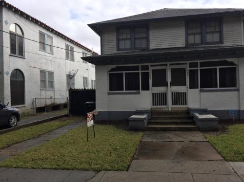 4003 Franklin Avenue Photo 1