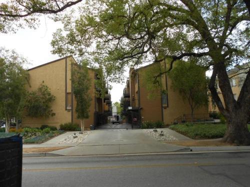 104 N Wilson Avenue Photo 1