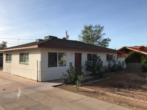 2739 W Rancho Drive Photo 1