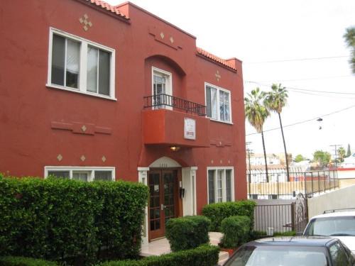 1310 Lilac Terrace Photo 1