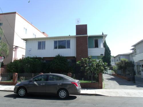 1746 N Mariposa Avenue Photo 1