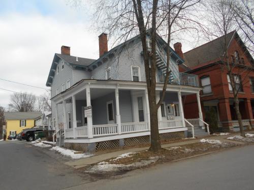 107 Caroline Street Photo 1
