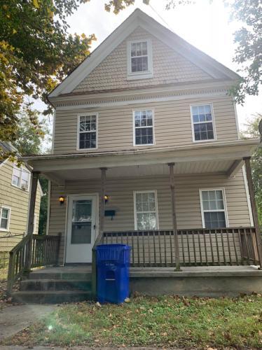1240 Hampton Avenue Photo 1