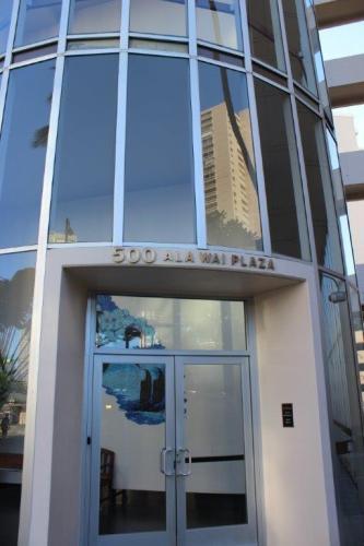 500 University Ave Photo 1
