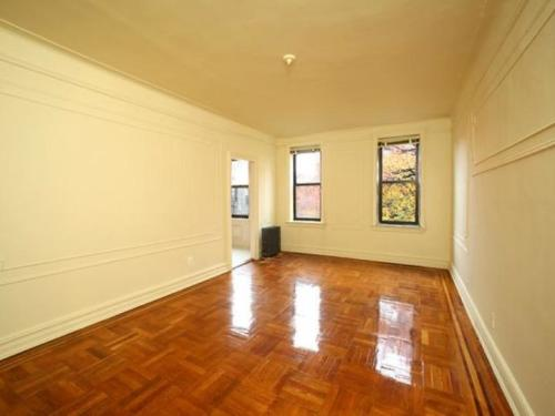 Fully Renovated One Bedroom in South Brooklyn Photo 1
