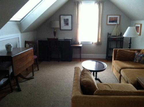 2nd Floor Furnished/Equipped Apartment near Mar... 2 Photo 1