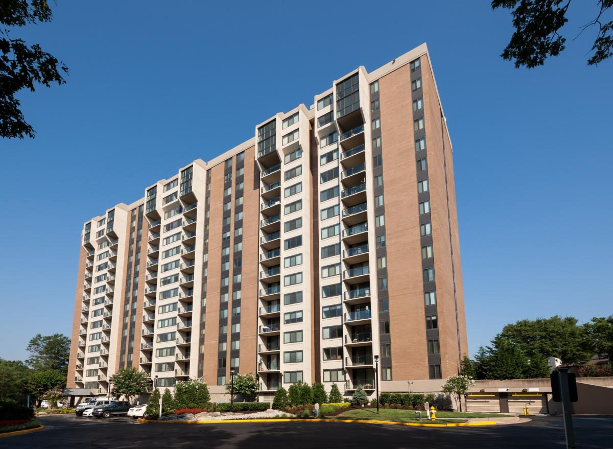 ... Roof Center Alexandria Virginia By 2601 Park Center Drive Alexandria Va  22302 Hotpads ...