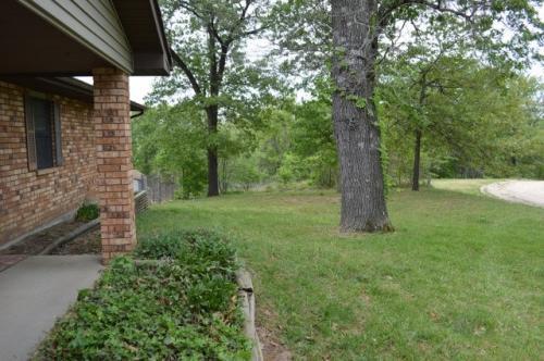 17004 Leaf Drive Photo 1