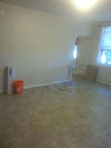 Beautiful 2 Bedroom Available Near Dyer Avenue Photo 1