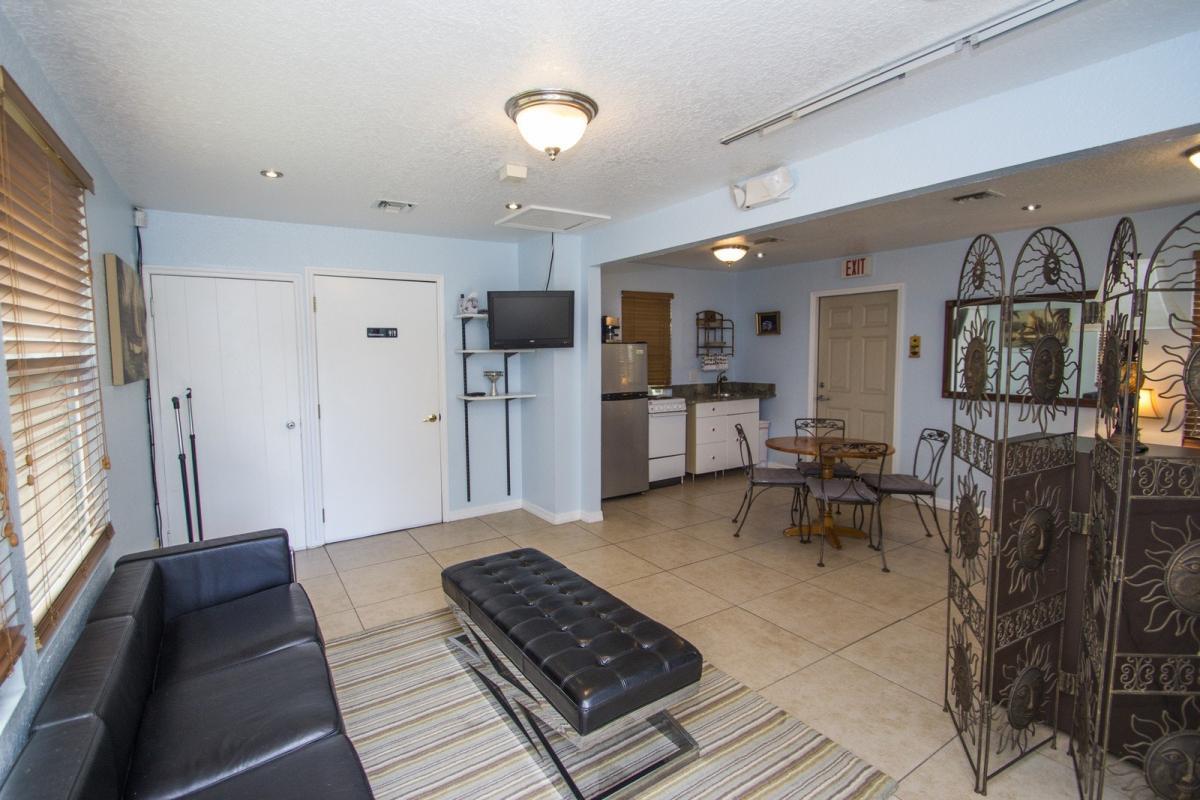 Awesome Bungalow Rent Melbourne Part - 14: Apartment Unit BUNGALOW At 2100 Waverly Place, Melbourne, FL 32901   HotPads