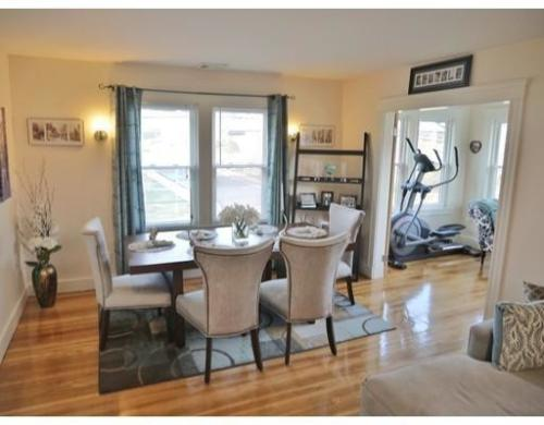 Beautiful 2 bed plus office and Sunroom! 2 Photo 1